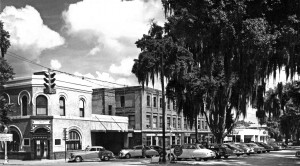 Downtown Dade City, during the 1940s, was a thriving hub of activity. (Courtesy of Madonna Jervis Wise)