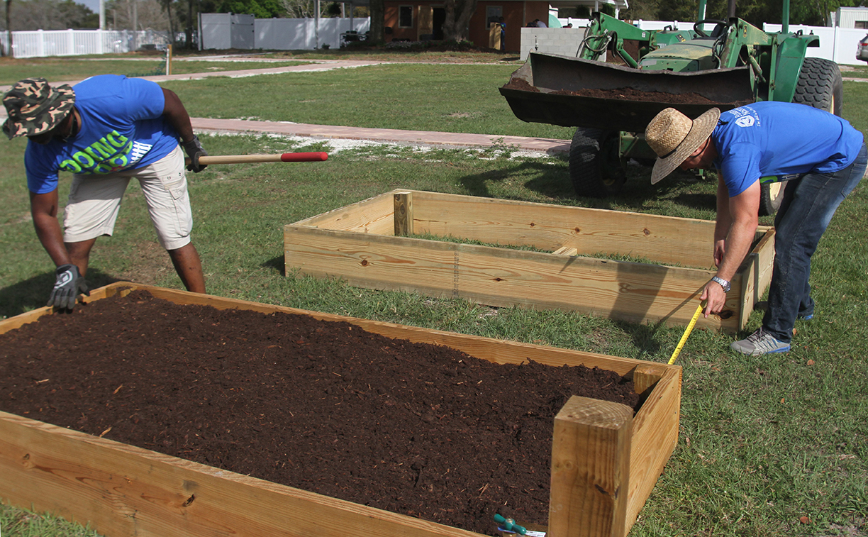 Commissioners dig community gardens